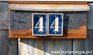 Numerología El Número Maestro 44